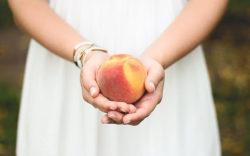 peach-698592_1024x640