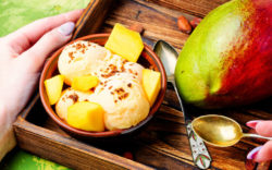 mango-ice-cream-with-mango_1024x640